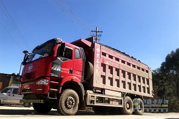 解放J6P自卸车