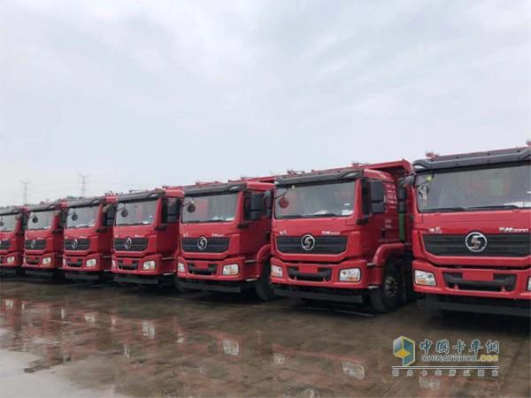 ?鼎锐物流购买的首批20台装配潍柴发动机的陕汽德龙