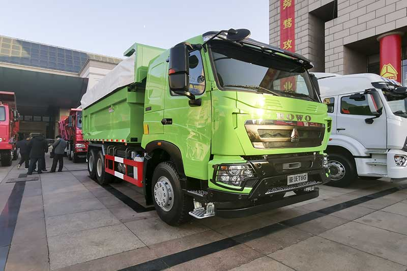 中国重汽 HOWO T6G 400马力 6×4 智能渣土车 智行版