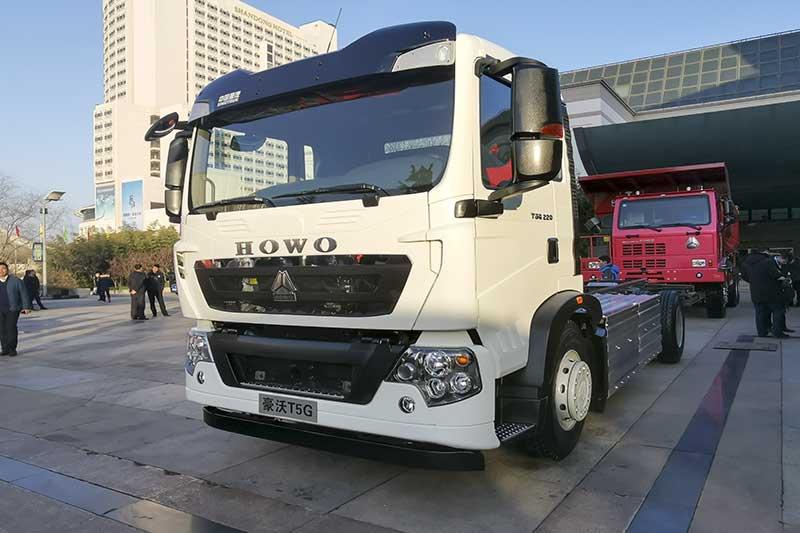 中国重汽 HOWO T5G 4×2 纯电动环卫车底盘
