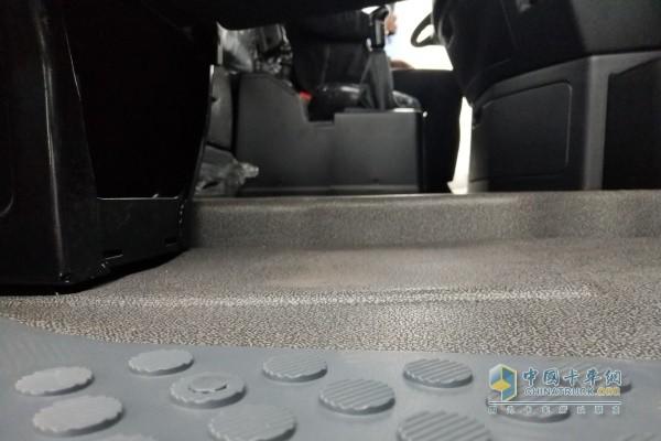 漢風G9采用高顶平地板设计