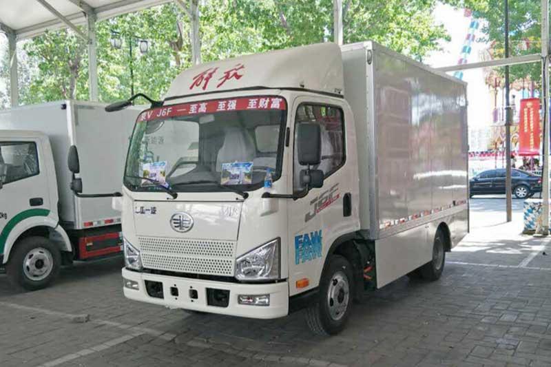 一汽解放 J6F 177马力 4.2米单排厢式纯电动轻卡(HTF5041XXYBEVCA42)