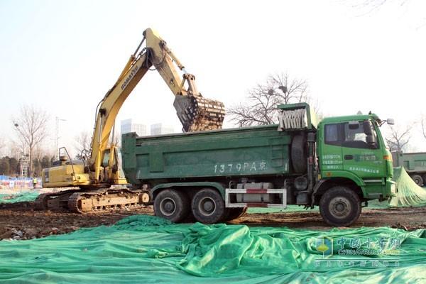 欧曼智能渣土车在产品和服务全面领先