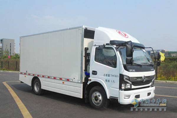 佛山飞驰氢燃料电池厢式运输车,采用东风卡车底盘