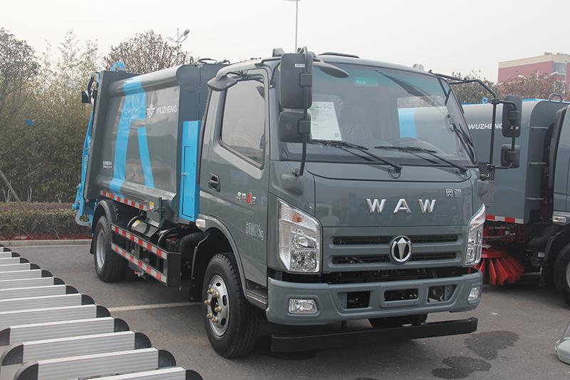 奥驰 新式6.5m3 压缩式垃圾车