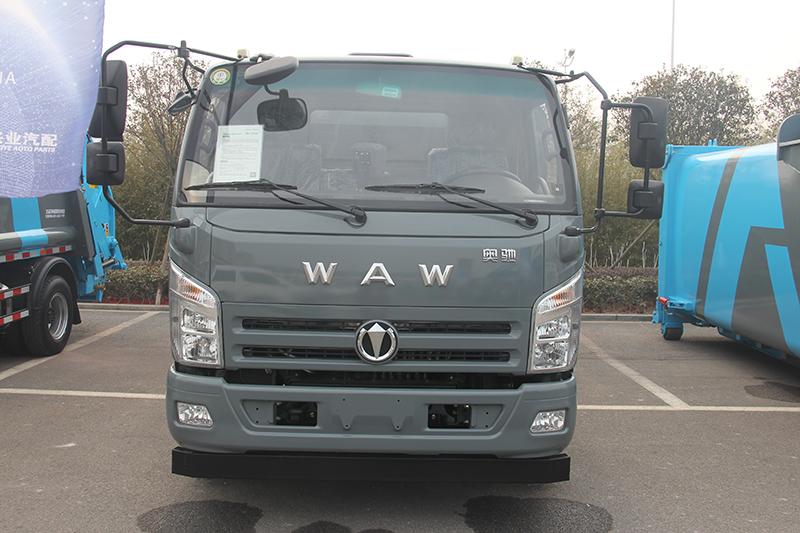 奥驰A3 3吨 130马力 4×2 路面清洗车