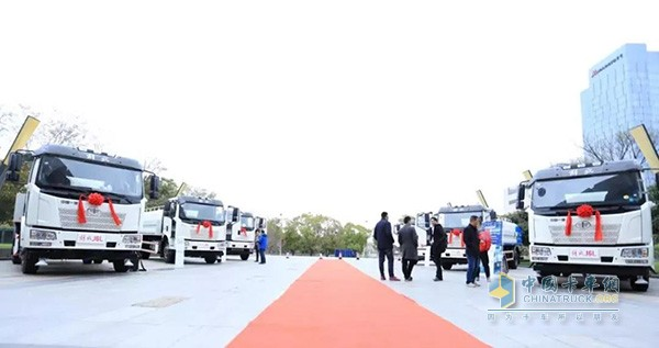 一汽解放&航天晨光环卫车南京区展示车辆