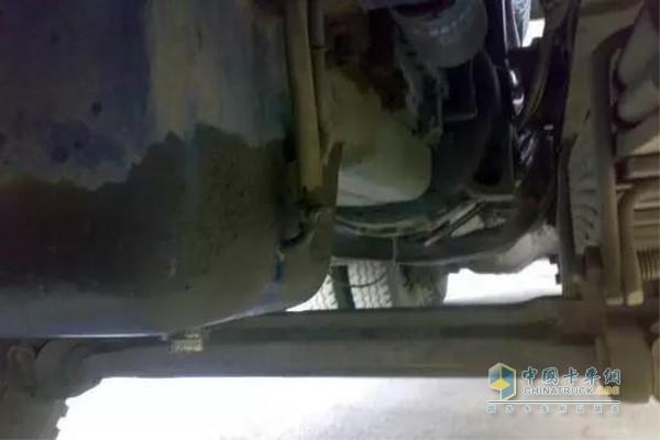 发动机油底壳的定期清理