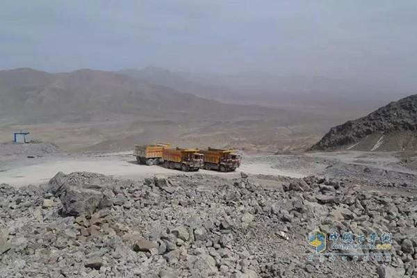 纯电动宽体矿用自卸卡车