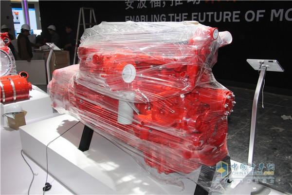 康明斯13L产品以动力链形式展示