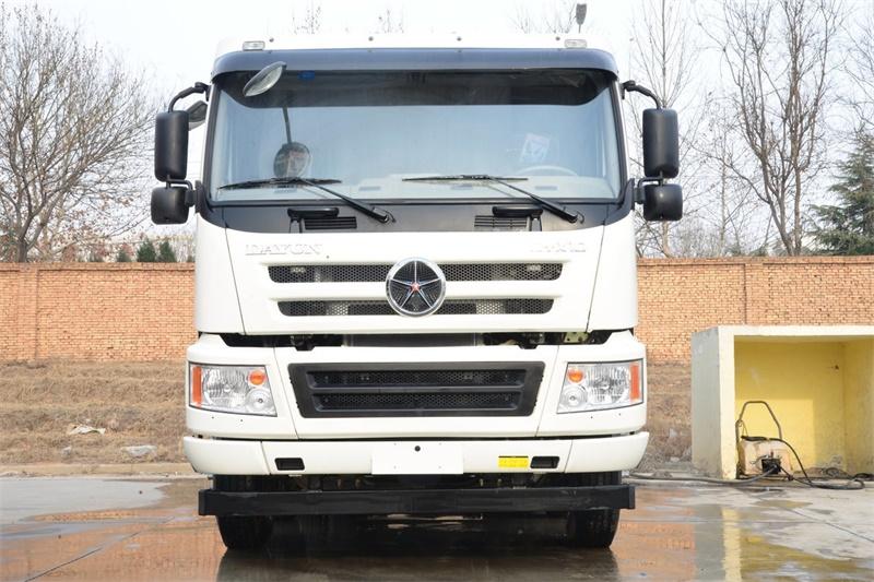 大运 新N8E重卡 375马力 8X4 5.6方混凝土搅拌车(CGC5310GJBD5EDDD)