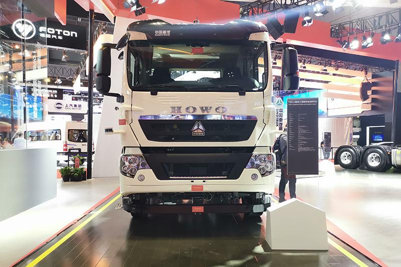 中国重汽 T5G L4级纯电动无人驾驶牵引车