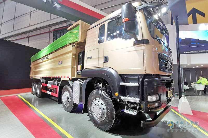 汕德卡G7H 8×4 轻量化环保自卸车