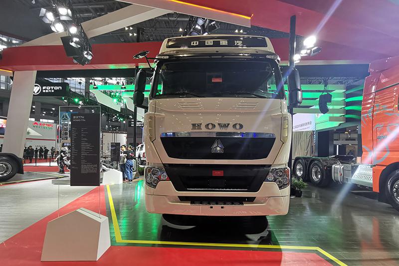 中国重汽 HOWO T7H 500马力 6×4 国六牵引车