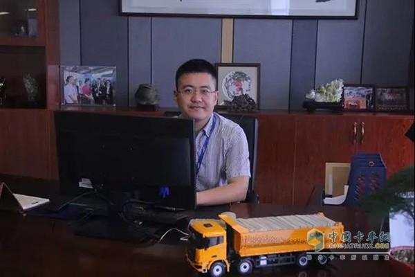 深圳市盐港明珠货运实业有限公司总经理李海良