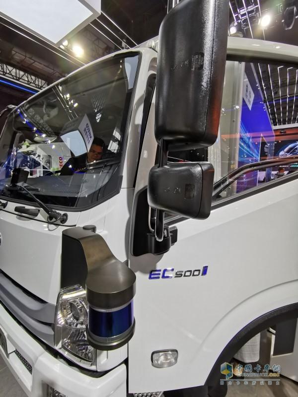 跃进EC500i智能城市物流车集众多高新科技于一身
