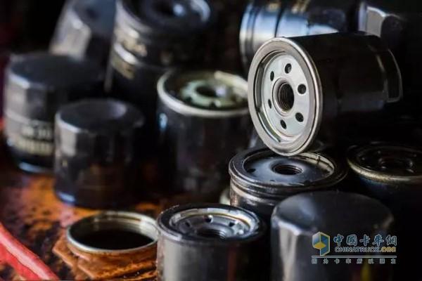 好点的机油就不用更换滤芯