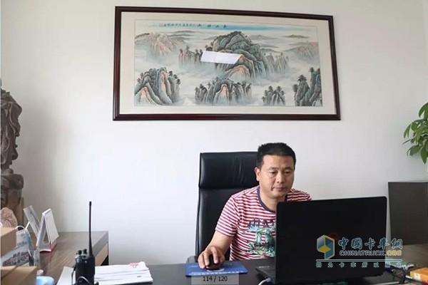 四川省什邡市顺安货运责任有限公司的总经理严春华