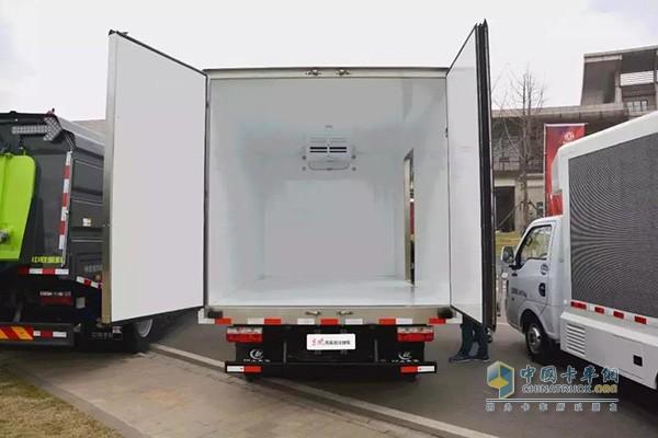 货厢尺寸为4170X2300X2300mm