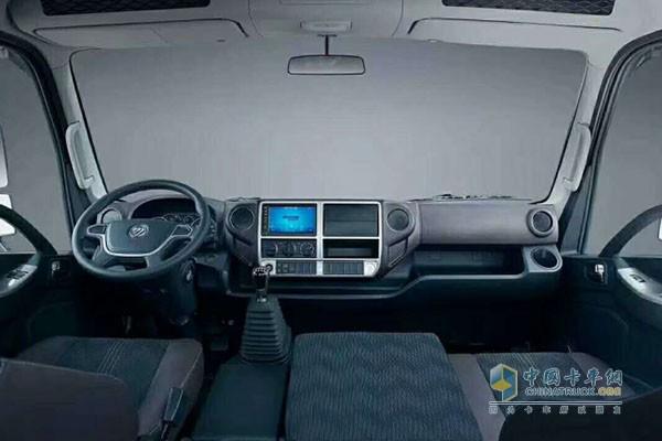 时代汽车新领航轿车化驾驶室