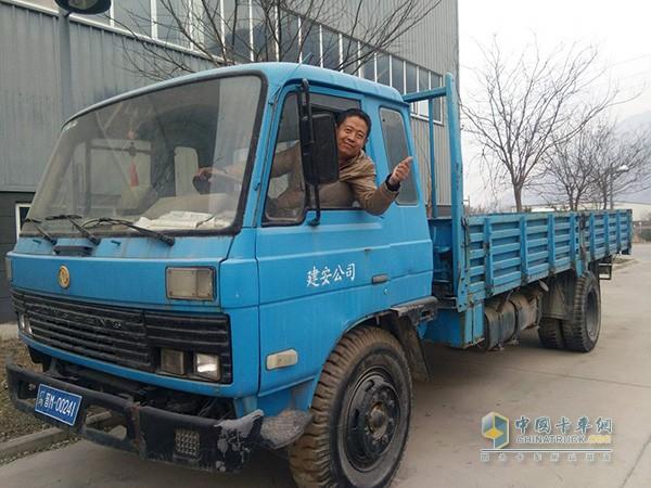 赵江龙与他的东风车