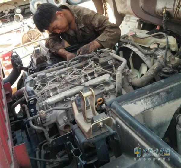 东风凯普特ZD30搭载日产NISSAN ZD30发动机