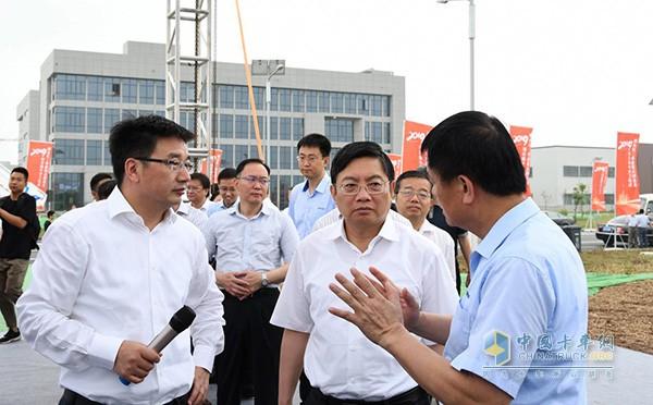 南京市领导了解项目情况