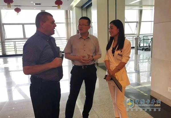 张部长与国外整车物流行业专家交流