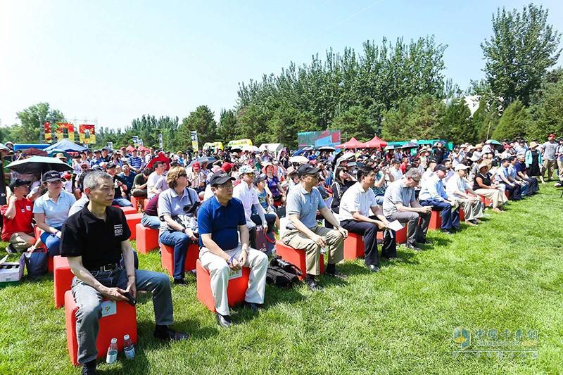 康明斯北京员工及家属、在华合作伙伴、嘉宾及媒体等2000余人参与活动