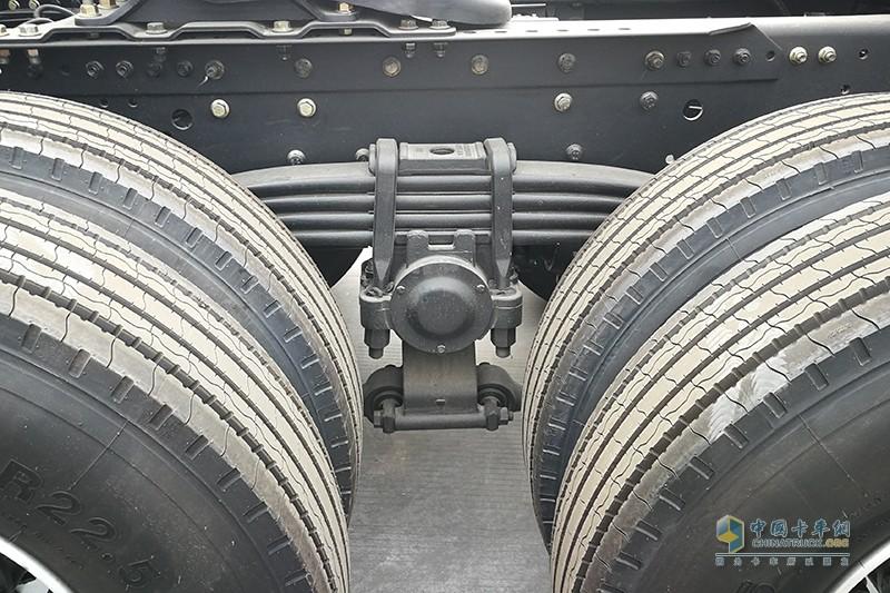 福田戴姆勒 欧曼EST穿越版 6X4 康明斯X12 510马力牵引车