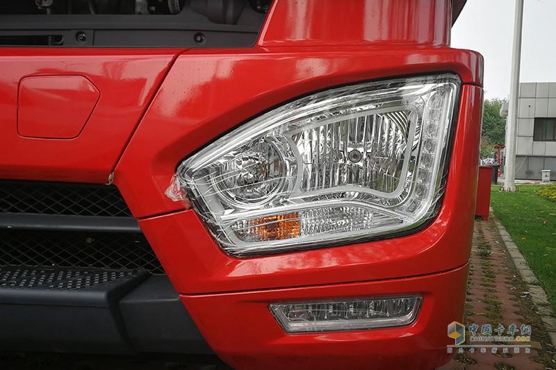 福田戴姆勒 欧曼 EST 绿通之星 8X4 康明斯X12 430马力国六箱式载货车