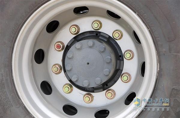 乘龙H7可选铝合金钢圈