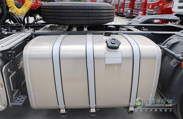 乘龙H5配载400+600L铝合金油箱