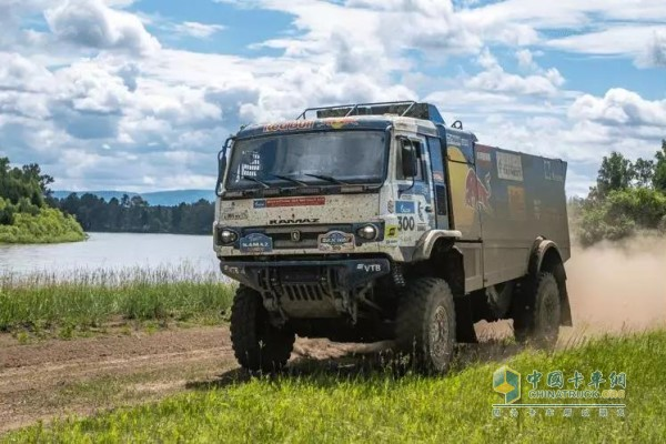 东风康明斯ISZ发动机为车队提供了澎湃动力
