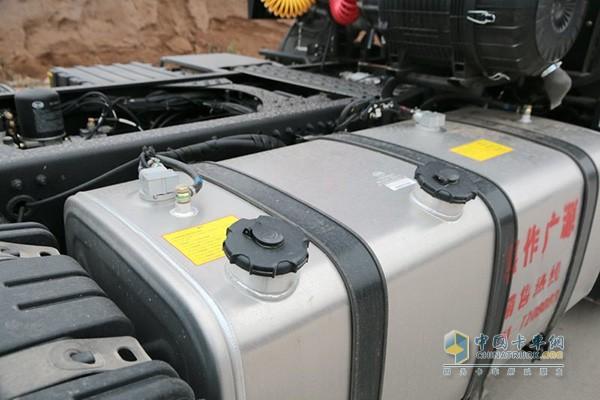 大运N8E钜赢版搭载铝合金油箱
