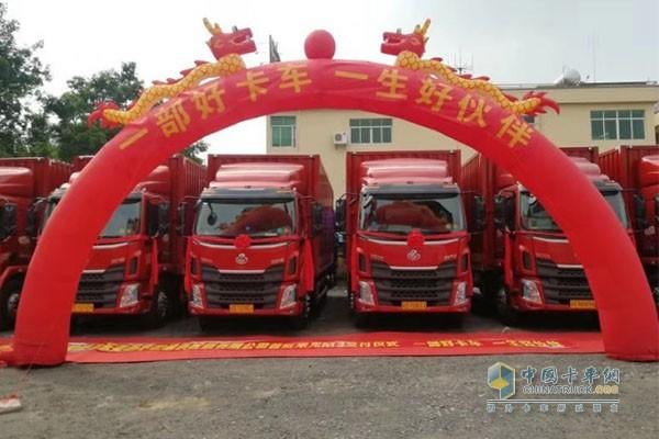 """乘龙M3秉承""""一部好卡车""""的造车理念获城际物流用户的信赖"""