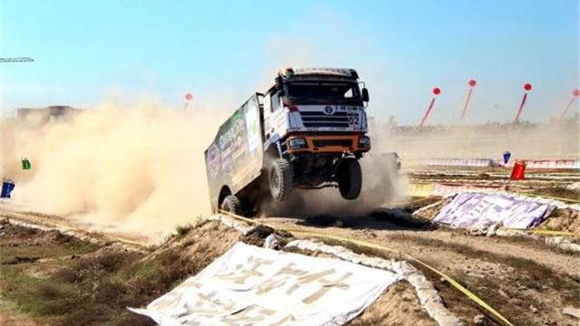 陕汽德龙F3000卡车越野大赛精彩表现