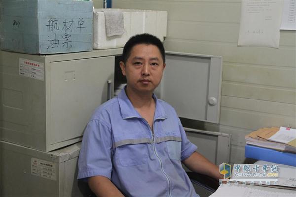 川航运输车队副队长吴忠华