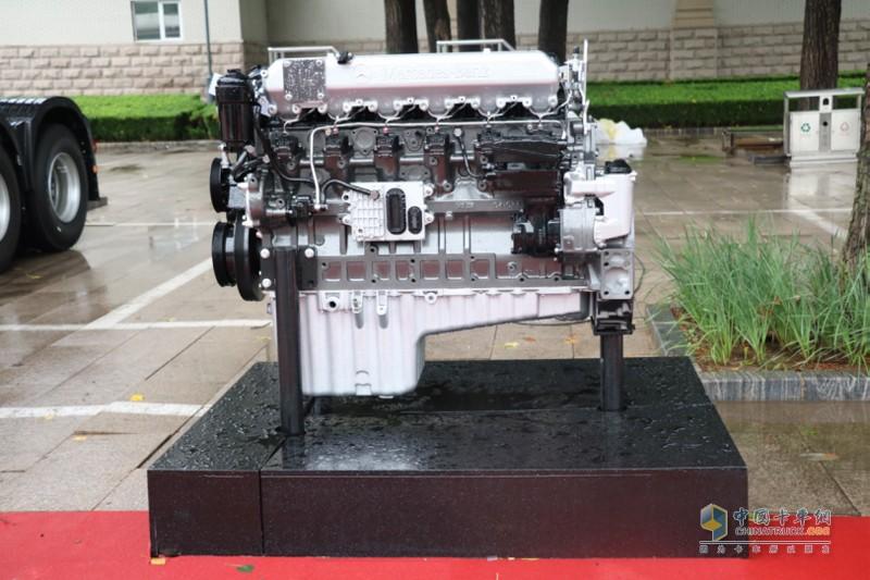 OM457发动机则源自戴姆勒,其拥有卓越的经济性、可靠性、油品适应性、维修便利性等优势