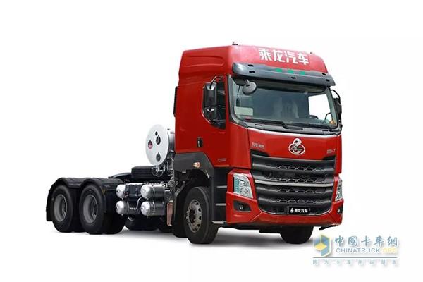 乘龙H7 LNG牵引车