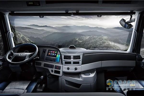 欧曼超级重卡2019款驾驶室舒适