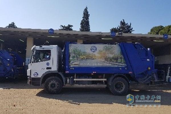 配备艾里逊3000系列全自动变速箱Atego 1729垃圾车