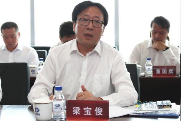 中国联通党组成员、副总经理 梁宝俊
