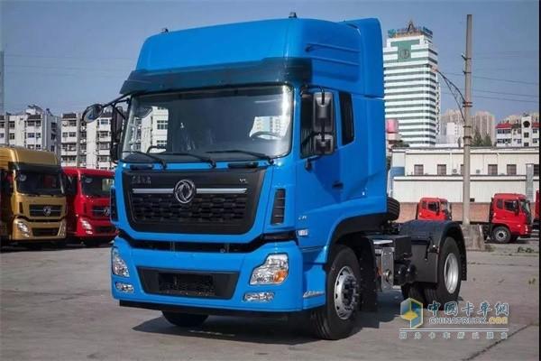 东风商用车4x2标载市场港口运输车