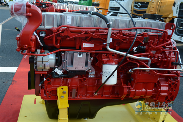 华菱420马力国六发动机