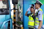 江苏高速公路针对违法超限运输行为实施百日行动!