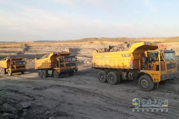 搭载潍柴WP12的矿用自卸车