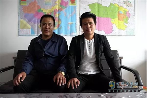 东风天龙KX安子祥与他的父亲