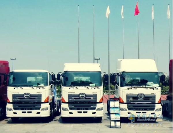 广汽日野展出的3款700臻值系牵引车
