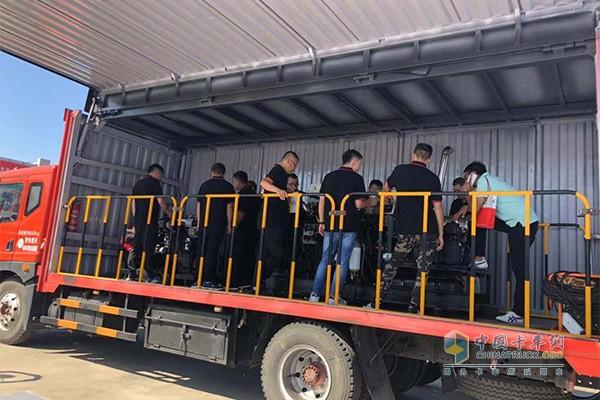 康明斯国六DPF清灰设备交付暨服务培训大篷车启航仪式